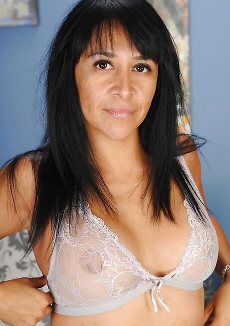 Latina Granny Porn Pics