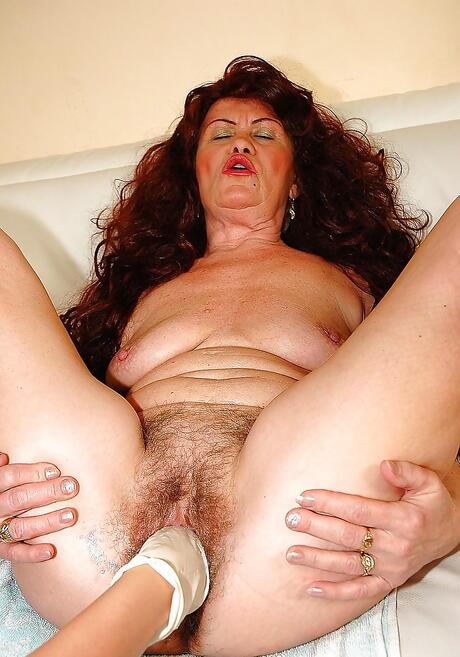 Granny Fisting Porn Pics