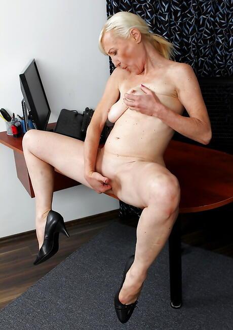 Bald Porn Pics