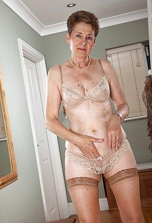 Cheating Grannies Porn Pics