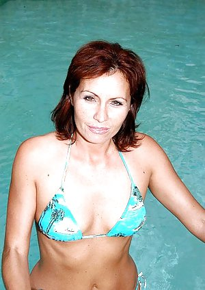 Granny at Pool Porn Pics