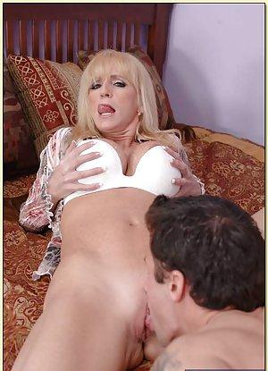 Granny Lick Pussy Porn Pics