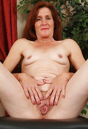 Masturbating Granny Porn Pics