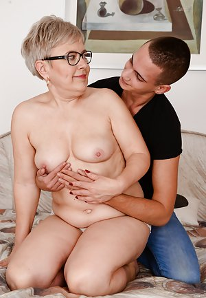 Mom and Boy Porn Pics