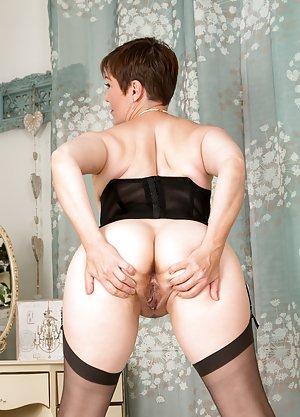 Granny Ass Porn Pics