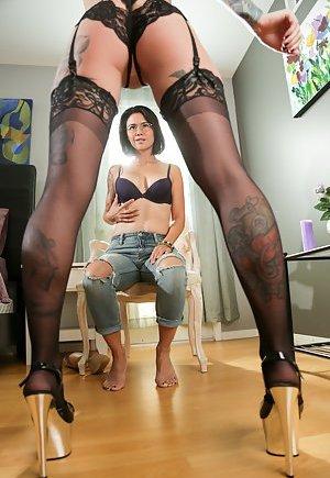 Lesbian Interracial Porn Pics