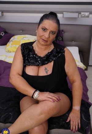 Fat Pussy Porn Pics